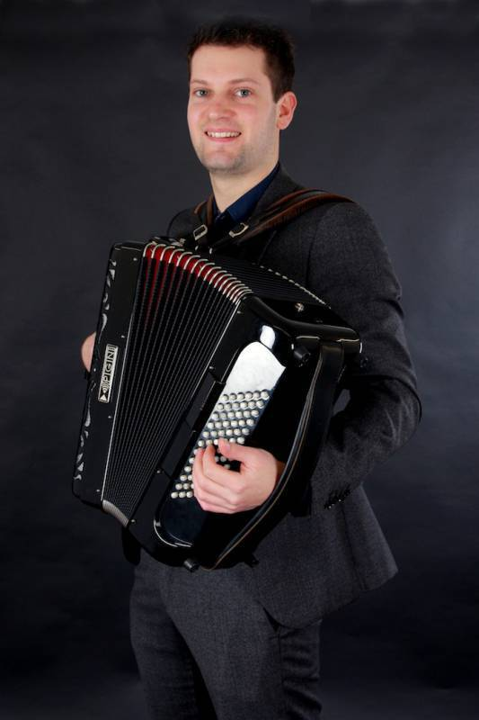 Solo Accordion Jazz - The Vintage Agency
